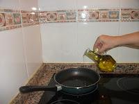 Echando aceite