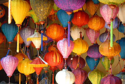 (Vietnam) - Hoi An - Buy lanterns