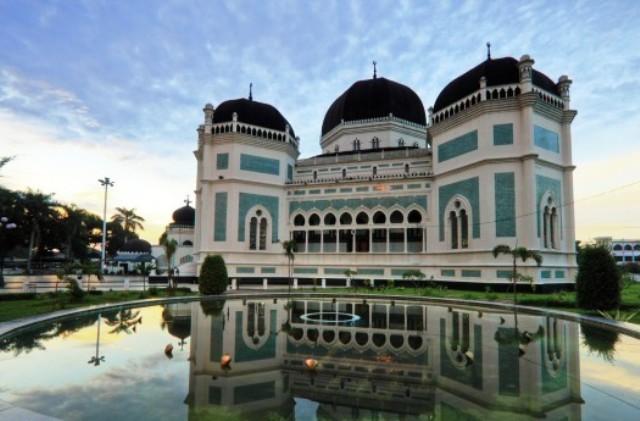 Objek Wisata Medan - Masjid Raya Medan