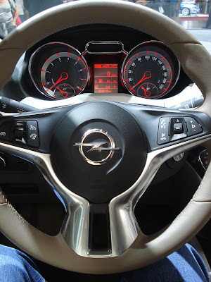 Opel Adam steering wheel