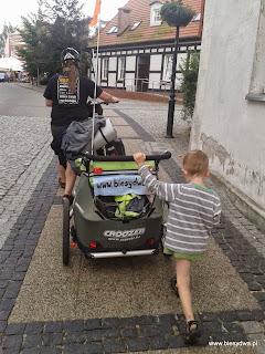http://www.biesydwa.pl/2014/08/z-dziecmi-i-rowerami-przez-polskie.html