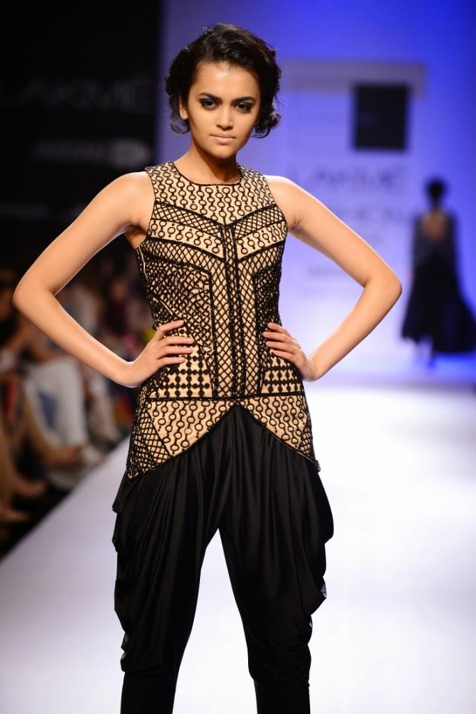 Malaika Arora Khan At Lfw Wf 2014 Stylish By Nature By Shalini Chopra India Fashion Style