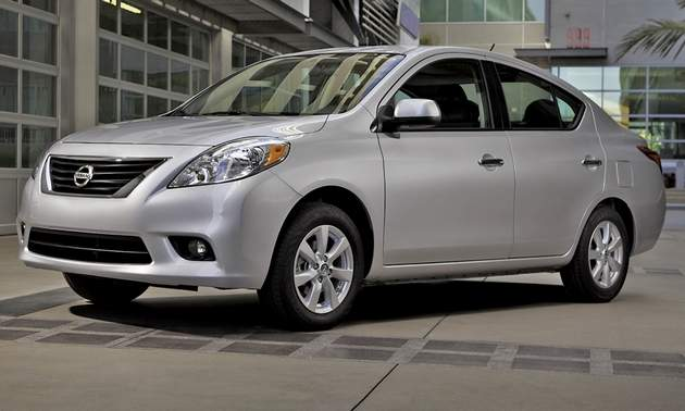 all car reviews 02 2012 nissan versa sedan cheap car but compact and efficient in america hot. Black Bedroom Furniture Sets. Home Design Ideas