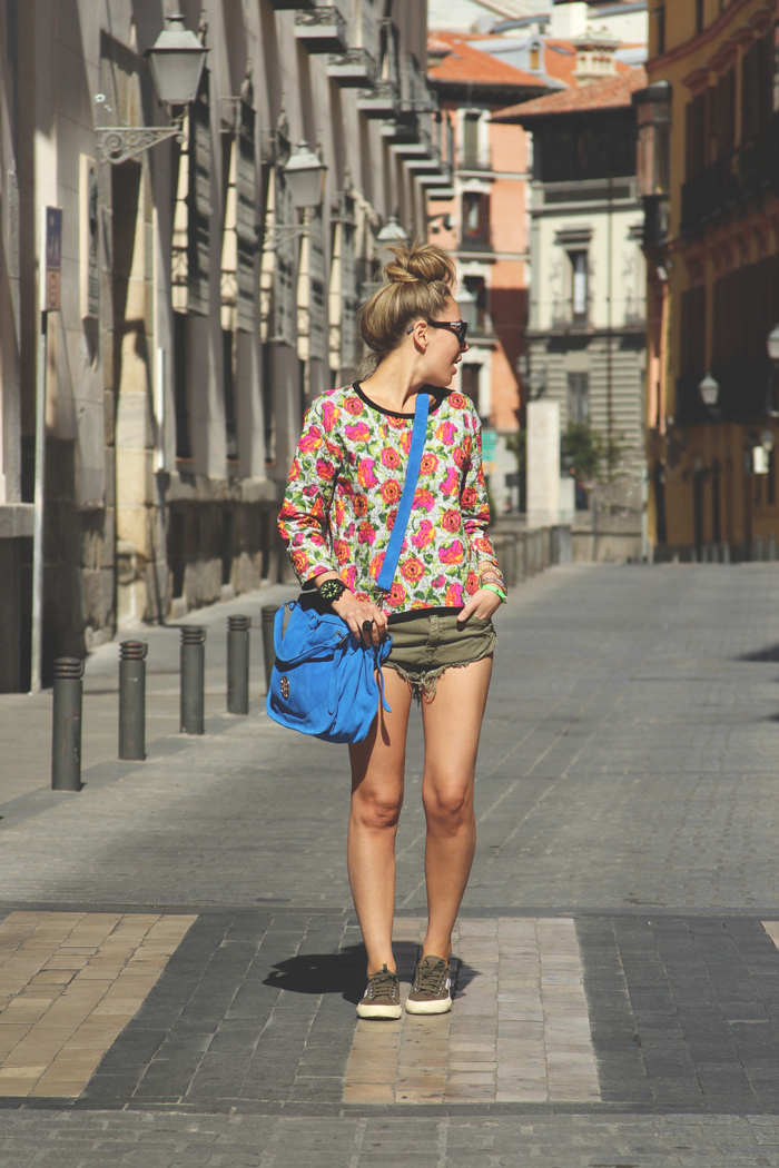 teenvogue, MY SHOWROOM, Priscila Betancort, Carlos Toun, Zara, SUDADERA, Shorts, hope, Nixon, reloj, superga, Oakley frogskins, Gafas de sol, casual look, summer outfit, paris,