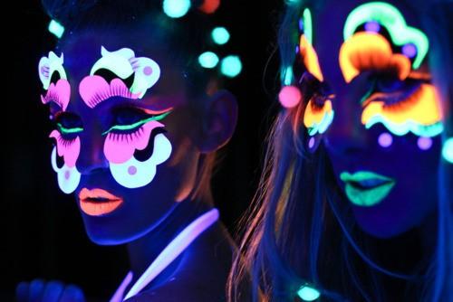 viernes-de-colores-colores-fosforescentes-y-antifaces