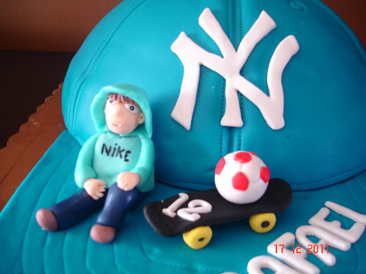 Bolo com boné dos New York Yankees
