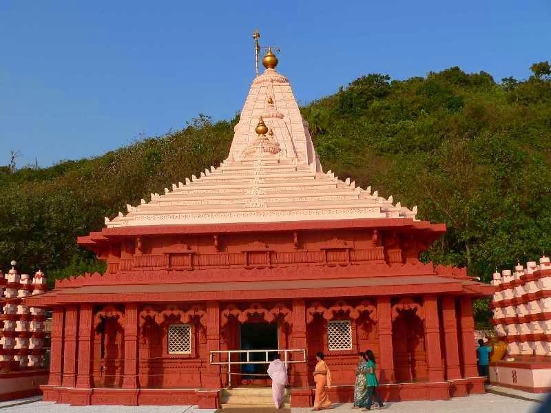 Swayambhu Ganapati Temple Ganpatipule India