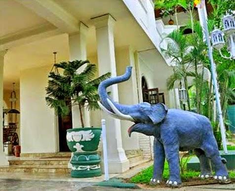 Mahinda Rajapaksa visits to Peacock Mansion