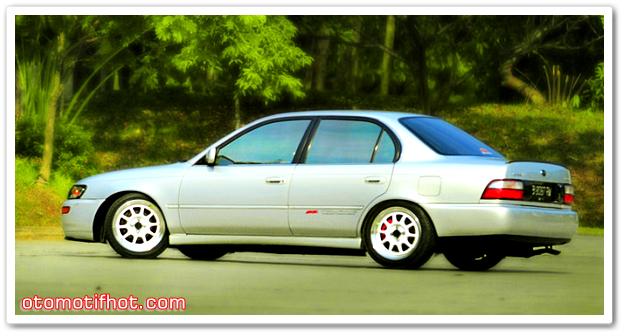 Toyota Great Corolla Silver 1995