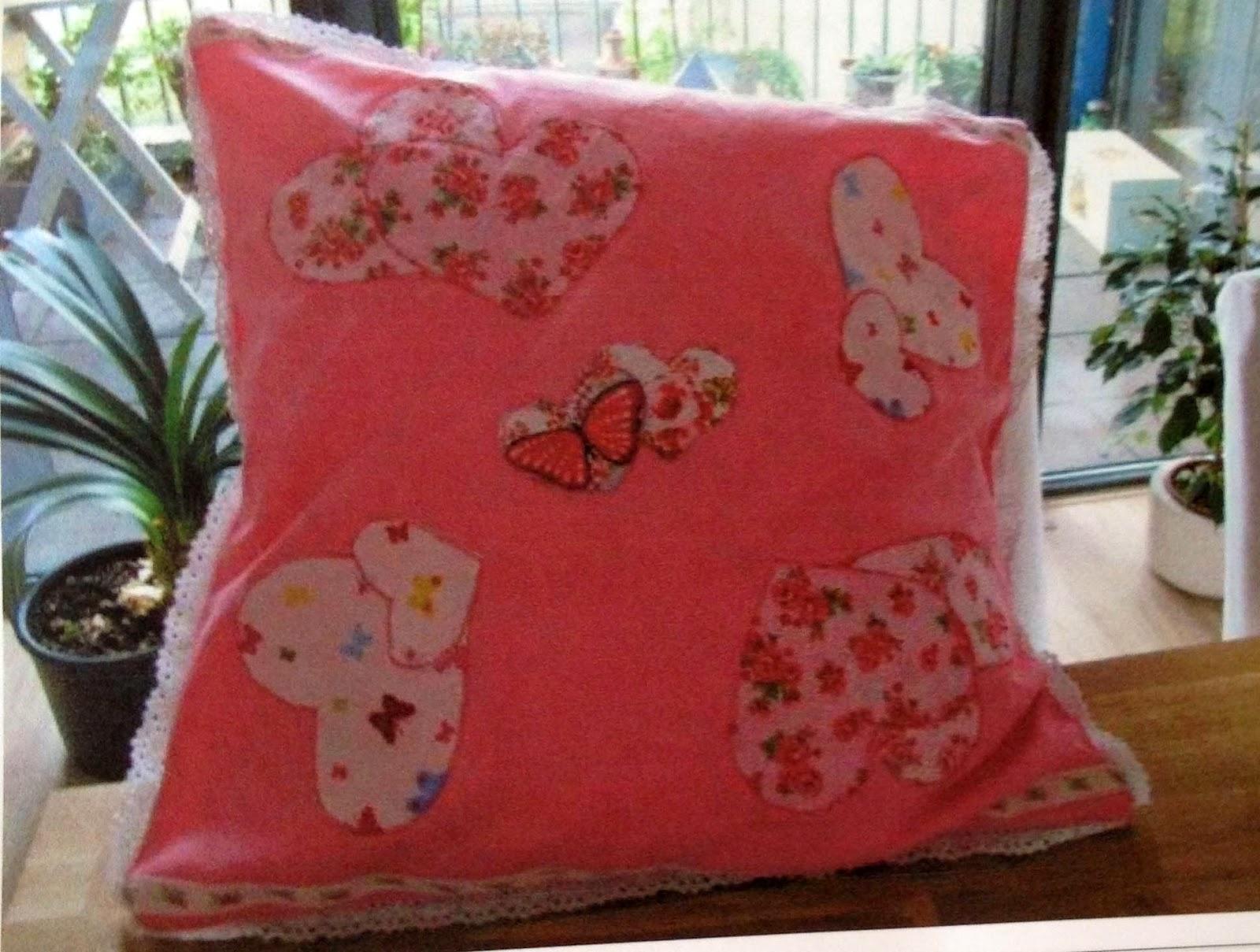 pillow using Quiltsmart sweet heart ZigZapps!