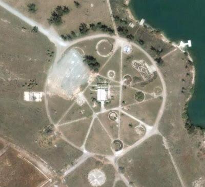Scientist Explains the Kazakhstan Pentagram Found on Google Earth  Google-earth-pentagram