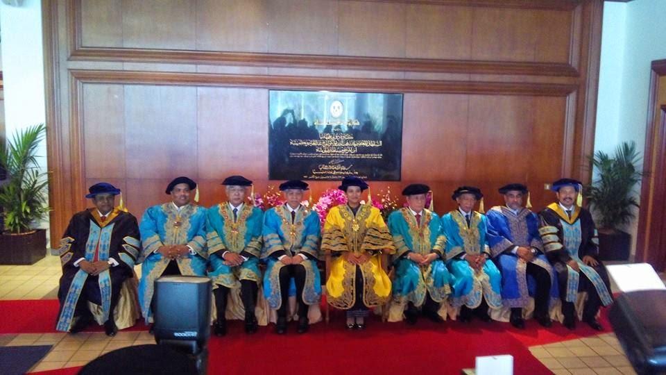 M.Nasir Terima Ijazah Kehormat Doktor Falsafah Dari UUM