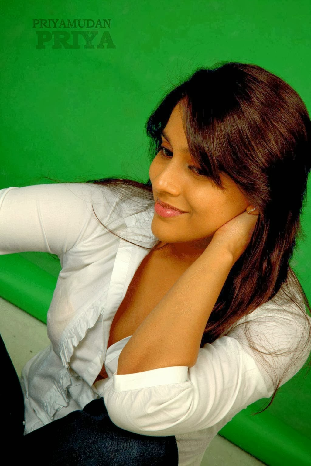 Anchor Reshmi Gautam Hot