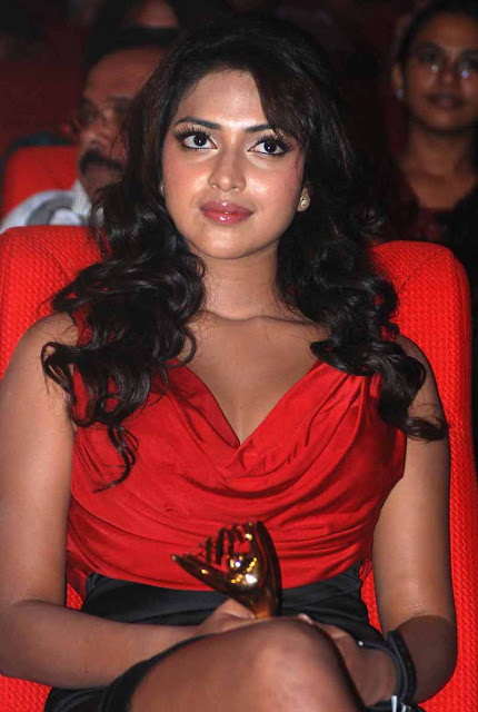 Amala Paul at Jf Womens Achievers Awards 2012 Photos