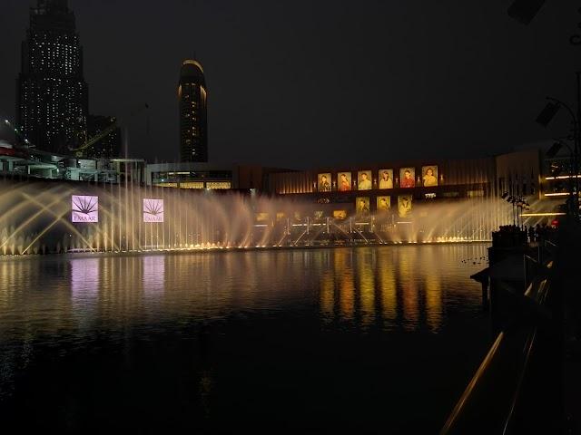 Light painting Dubai super nights with Huawei P8