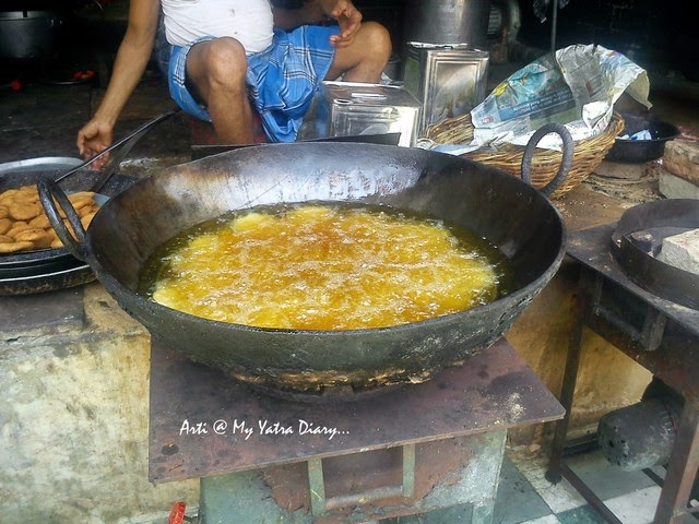 Roadside street Kachoris being fried in Chandni Chawk, Delhi