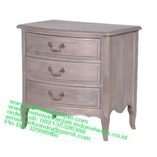 Mebel jepara mebel jati jepara mebel jati ukiran jepara nakas jati ukir klasik cat duco classic furniture jati jepara code NKSJ 16 NAKAS KLASIK JEPARA