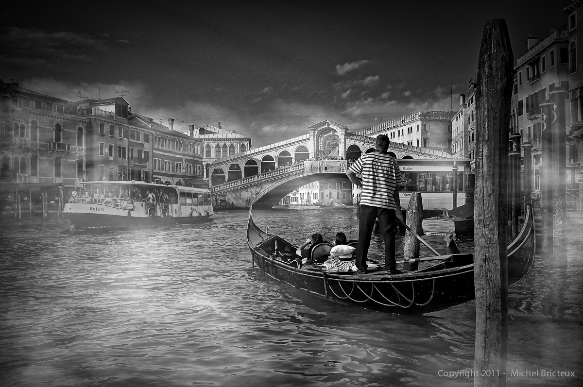 Fujifilm X100  : Fog on the Gran Canale