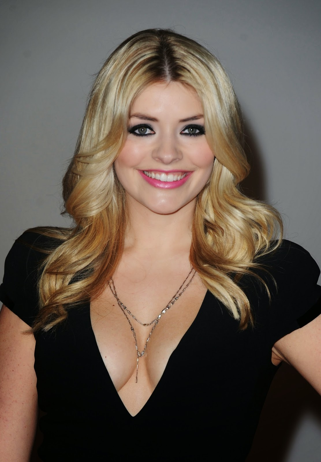 Holly Willoughby Nude Photos 45