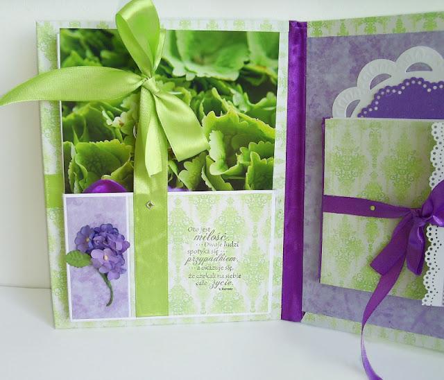 Fioletowy folder na płytę ze zdjęciami ze ślubu