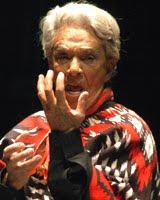 """Chavela Vargas canta """"Un Mundo Raro"""""""
