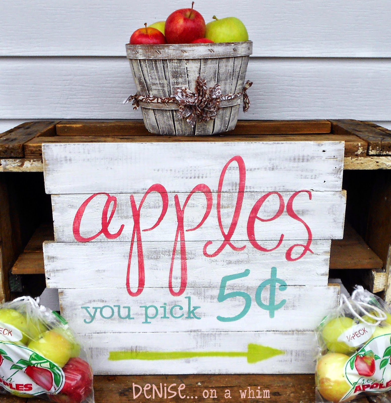 Apple Picking Pallet Sign from Denise on a Whim