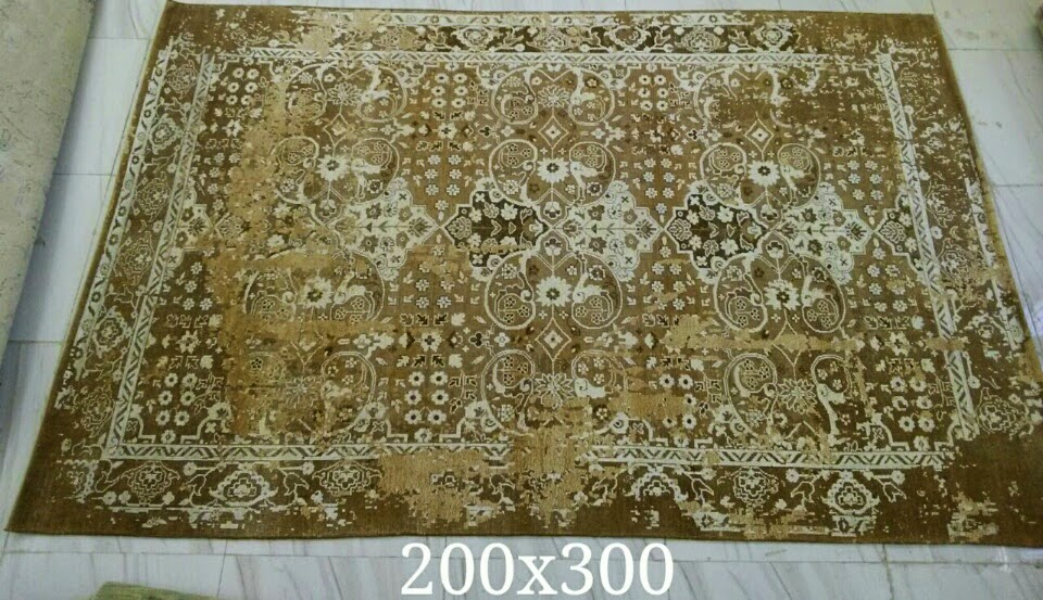These Kind Of Rugs Are Manufactured In India With The Use Good Quality Bamboo Silk And Wool 2 Diffe Textures One Is High Low Pattern Other