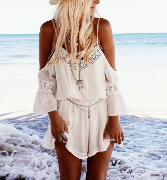 http://www.stylemoi.nu/flared-playsuit-with-crochet-details.html?acc=380