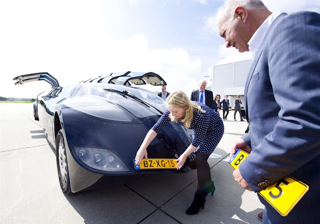 Holland's 'Superbus' project aims to transport people at 150 miles per hour
