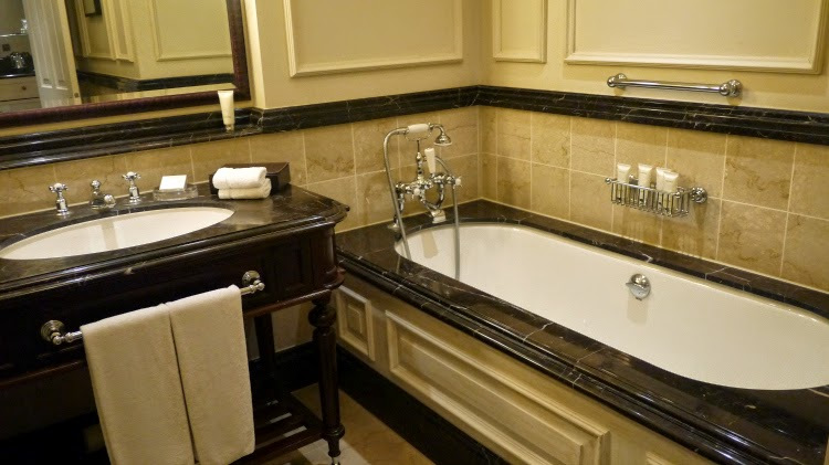 Luxury langham hotel london bathroom