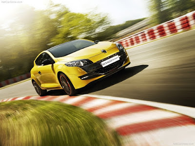 2012 Renault Megane RS Trophy yellow