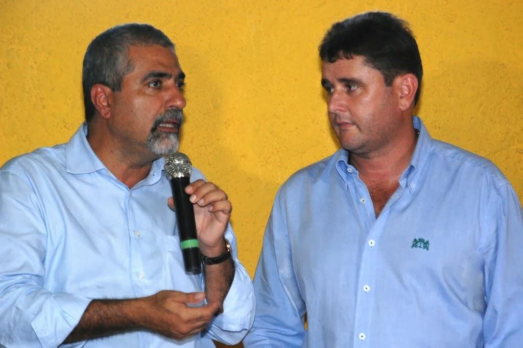 Secretário estadual Christino Áureo e prefeito Arlei: parceria para a realização de obras e melhorias na zona rural de Teresópolis