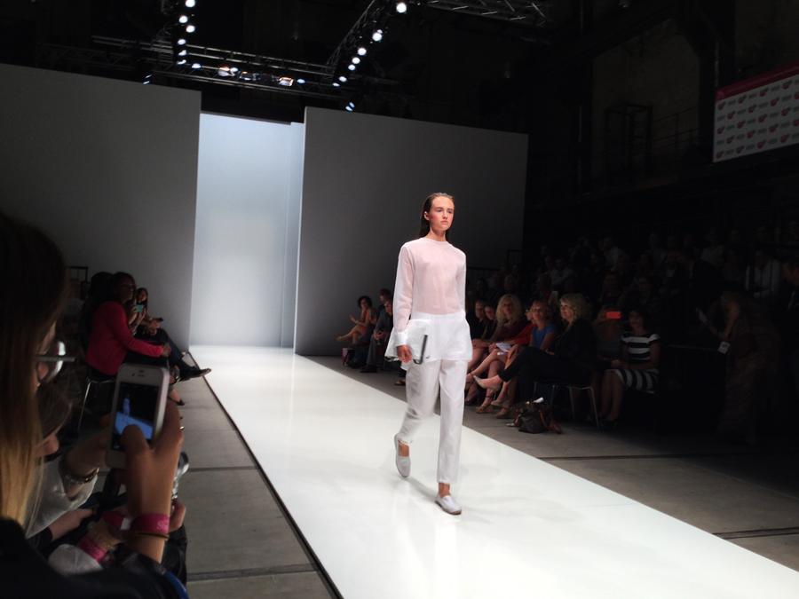 model laufsteg lavera showfloor 2015