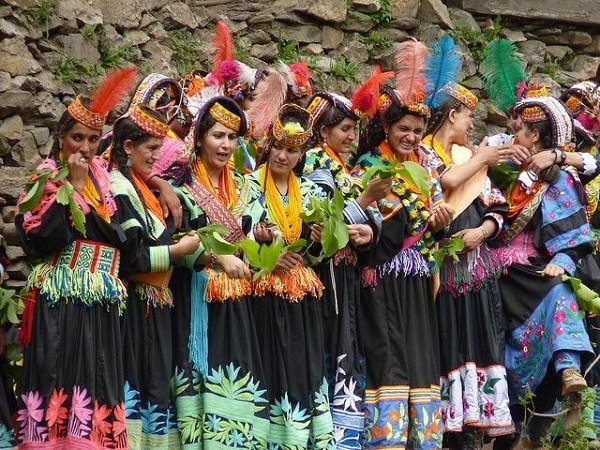 bộ tộc người đẹp như Tây ở châu Á 17