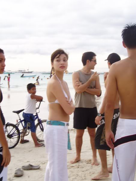 anne curtis boracay candid bikini photo 01