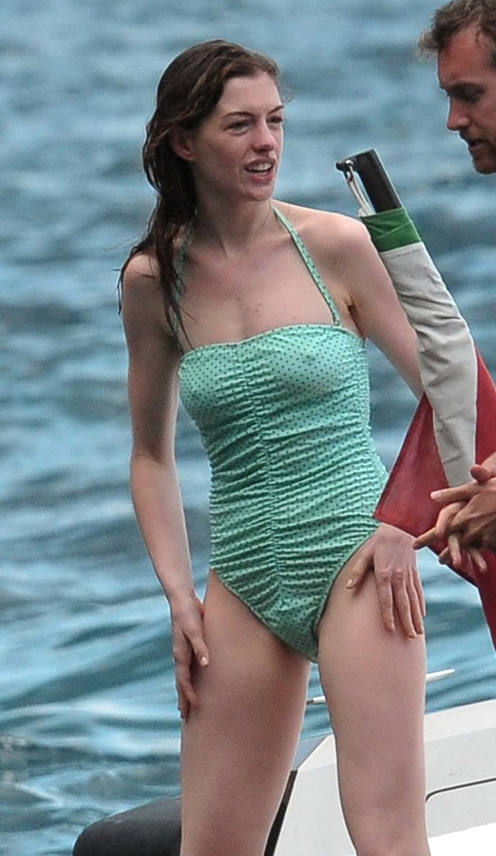 Pussy anne hathaway [ New