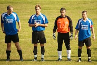 Dani, Ricki, il Briga e Frankie Boy all'ingresso in campo.