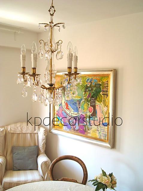 Decoración clásica. Lámpara de techo vintage con lágrimas estilo chandelier