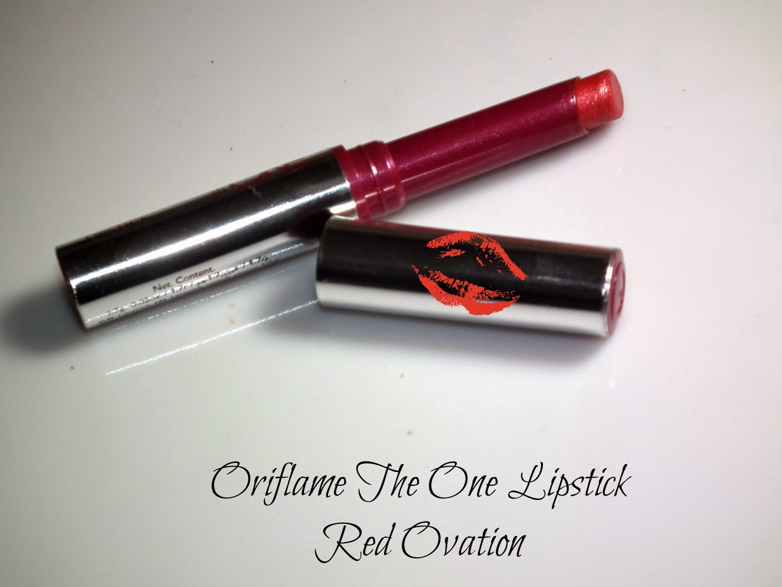 Oriflame The One Lipstick Red Ovation Swatches