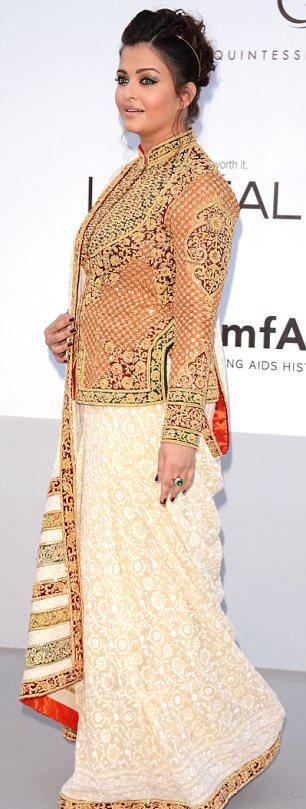 aishwarya rai at cannes film festival 2012 unseen pics