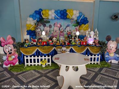 decoração tradicional luxo com o tema Baby Disney para festa de aniversário infantil