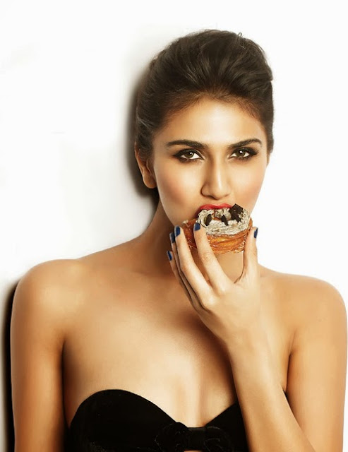 Vaani Kapoor hot wallpapers