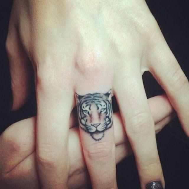 Hình xăm 3D trên ngón tay là 1 chú hổ con cực chất