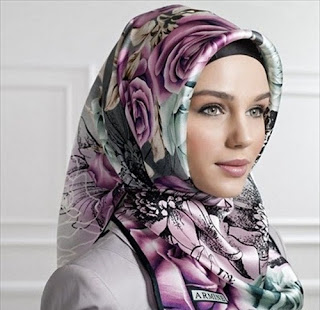 style hijab untuk wajah oval