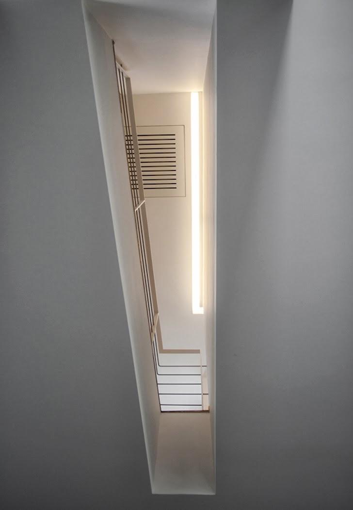 Open ceiling in Modern villa Di Gioia by Pedone Working
