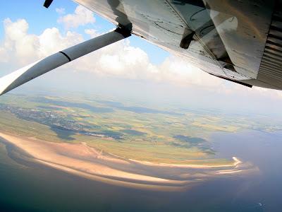 St. Peter-Ording: Fotos eines Tandem-Fallschirmabsprunges über dem ordinger Strand 1