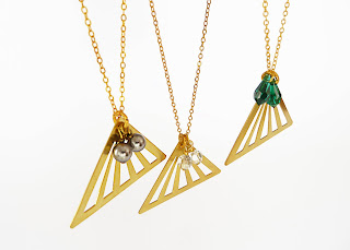 Collares triangulares Mon Carrousel