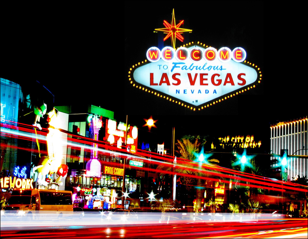 http://1.bp.blogspot.com/-tK_OKVSYRZE/TafRL82BvGI/AAAAAAAAAm8/JVFEgEVuRjs/s1600/Las-Vegas-Strip.jpg