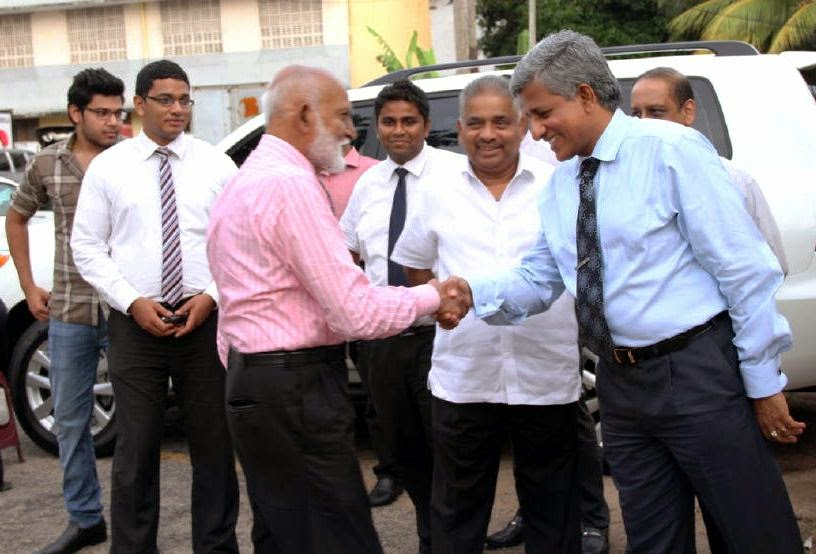Nishantha Ranatunga, Chairman of Mihin Lanka, greets Hon. A.H.M Fowzie, Minister of Urban Affairs..JPG