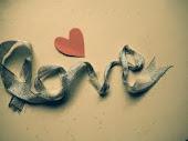 Si perdemos el tiempo hablando de amar..
